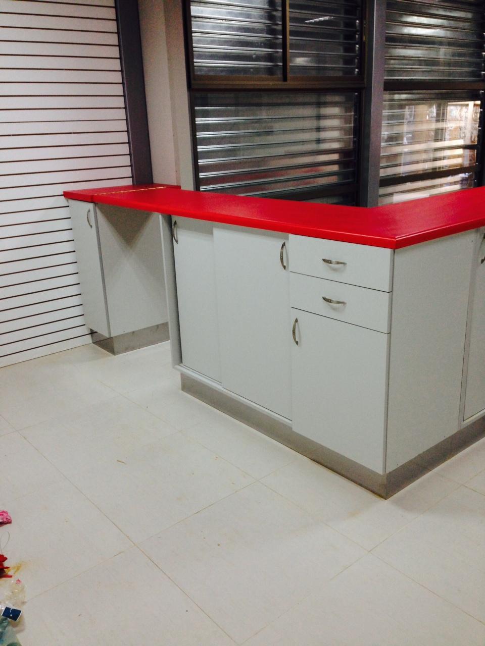 Trabajos realizados local makita puerto montt ebano for Muebles de oficina chile